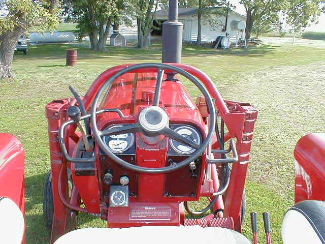 International 656 Seat : Ih tractor wide front