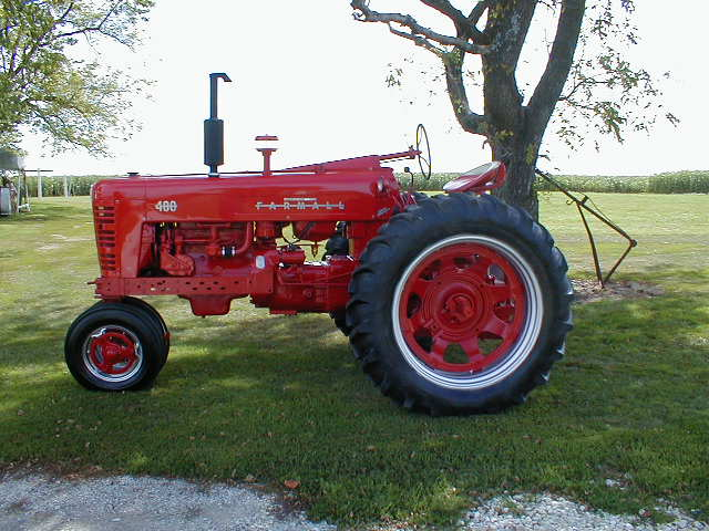 Farmall 400 Tractor : Restored farmall tractor with power steering and