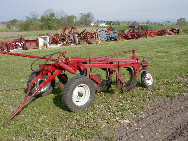 case international harvester 2 bottom plow jpg 1080x810