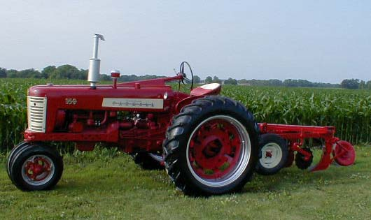 Toy Tractors For Sale >> IH 3 fast hitch bottom Plow for sale