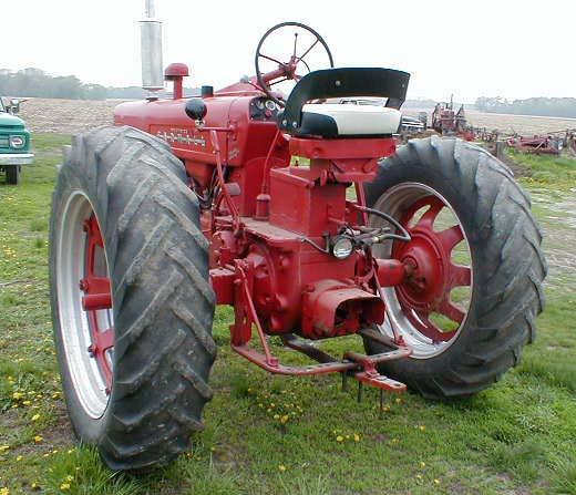 Farmall 400 Tractor : Restored farmall tractor for sale