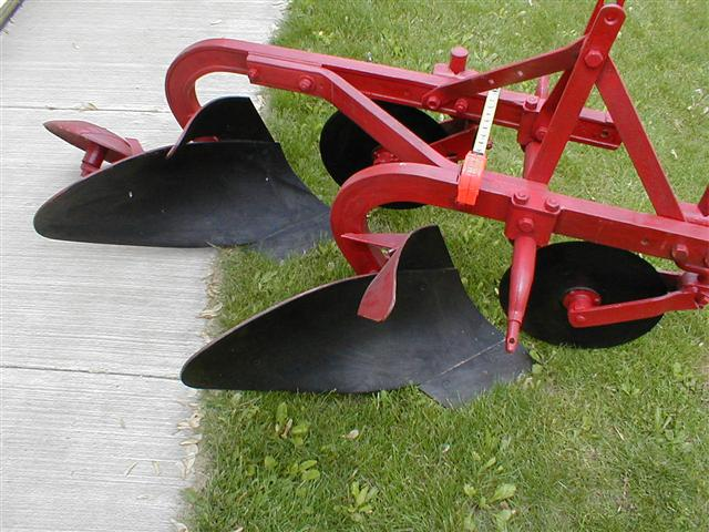 Three point hitch 2 bottom plows