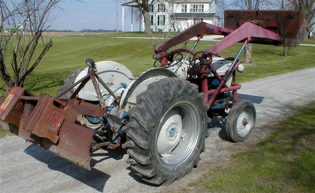 Ford 851 Tractor With All Hydraulic Loader For Sale