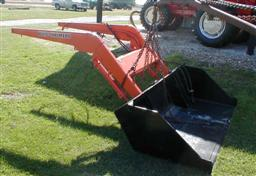 New Idea Hydraulic Loader to fit Allis Chalmers D17