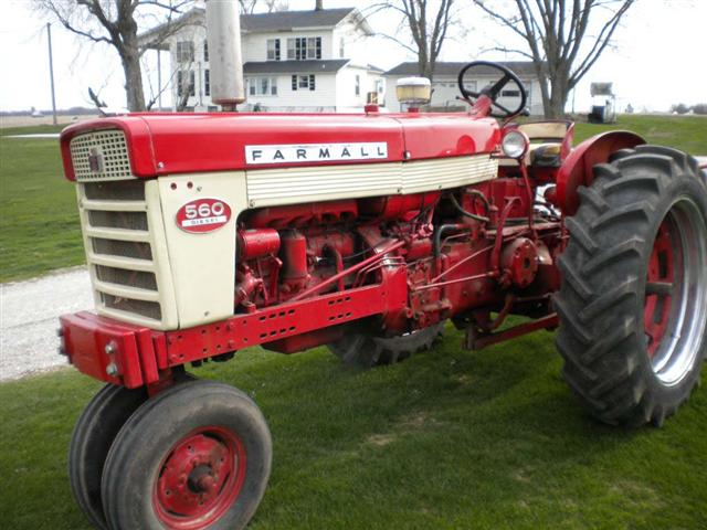 IH Farmall 560 Diesel Tractor For Sale
