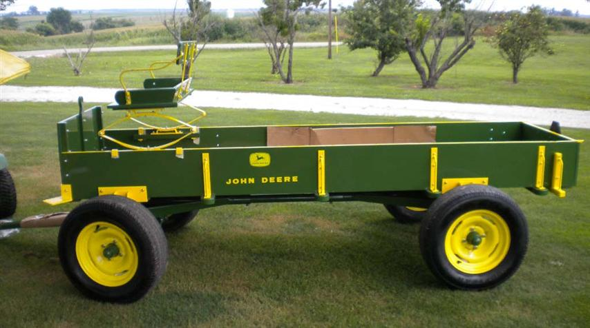 Animated John Deere Tractors And Wagon : Chats custom built wagons for parades homecoming