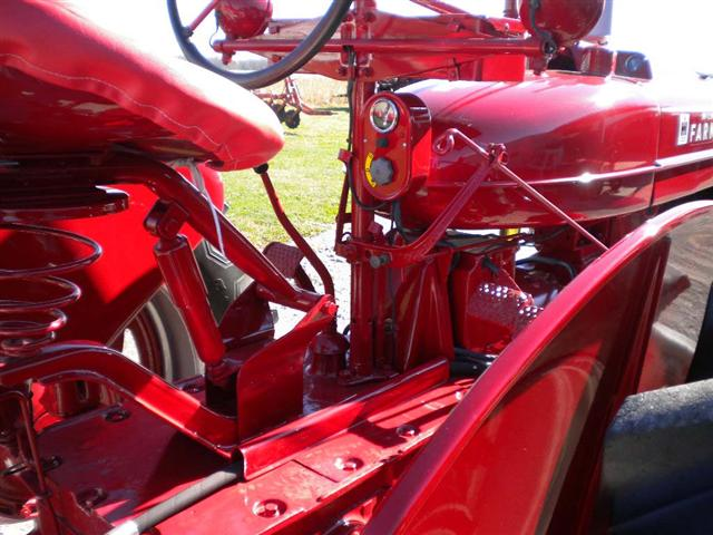 Farmall M Controls : Farmall tractor for sale