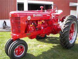 Restored Farmal    Super    MTA    Super       M       Super    H    Farmall    Tractors