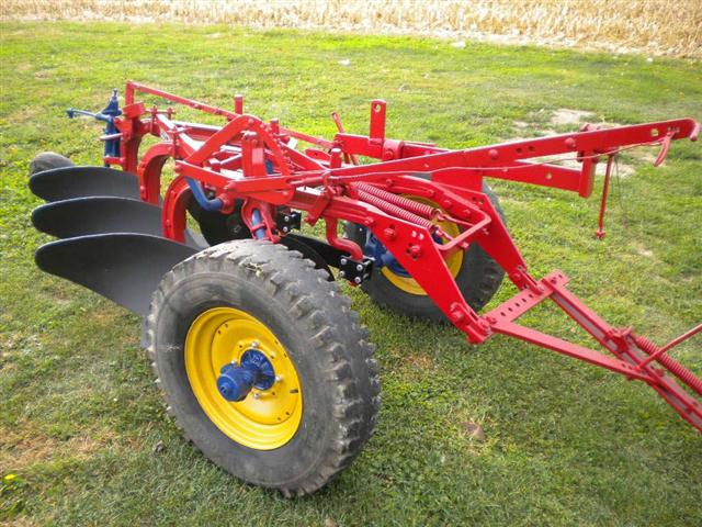 case international harvester 2 bottom plow jpg 1080x810