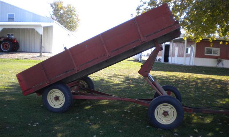 Electric Farm Wagon ~ Chats custom built wagons for parades homecoming