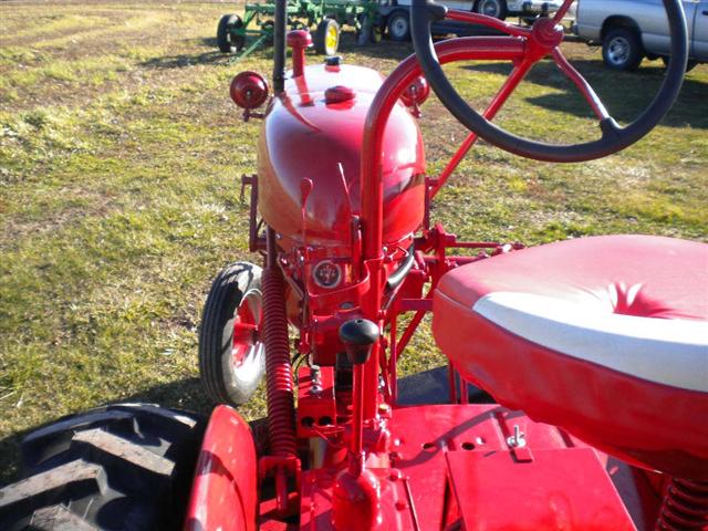Farmall Super A Seat : Farmall cub tractor for sale