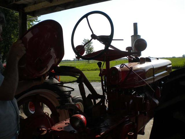 Widest Seat Tractors : Double wide tractor seat for rides sale
