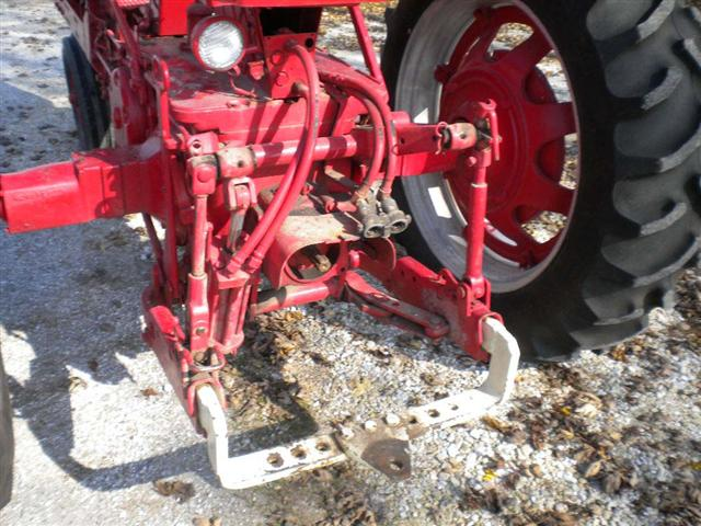Farmall Tractors With 3 Point Hitch HD Wallpaper