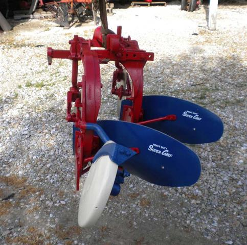 several 2pt fast hitch implements for small prong farmall