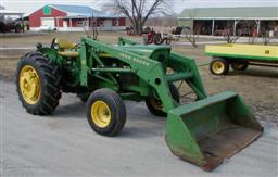 John Deere 2020 tractor with Model 47 hydraulic loader