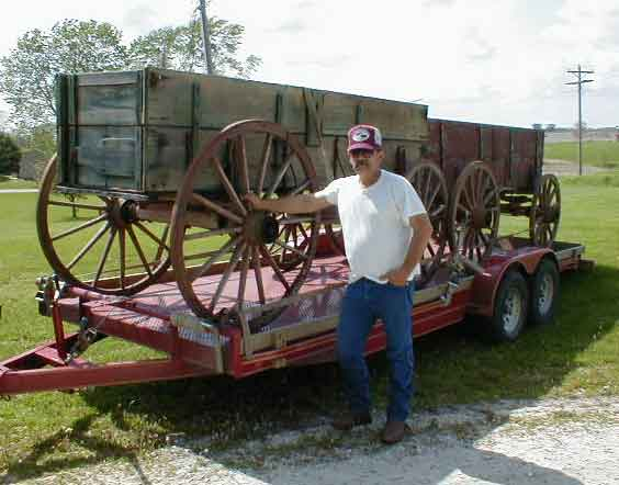 Antique wooden wagon the wagon for Things to do with old wagon wheels